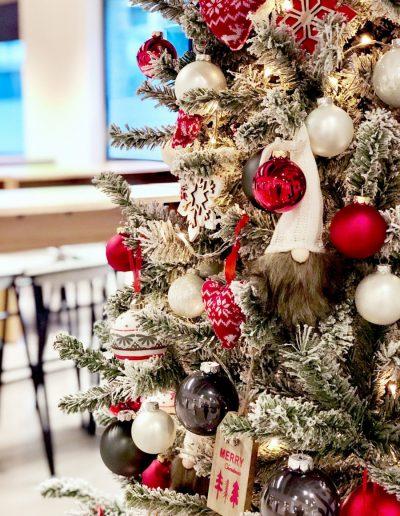 Besneeuwde kerstboom huren Dansk Jul