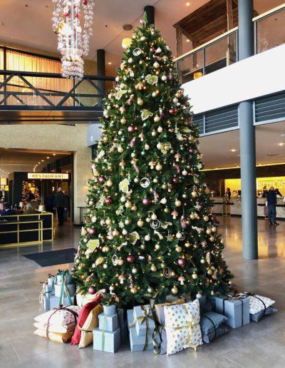 Kerstboom 4,5 meter hotel kerstversiering