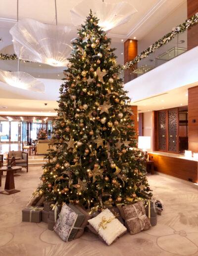 Kerstboom Okura Hotel