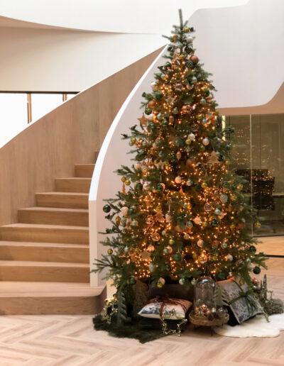 Kerstboom entree kantoor